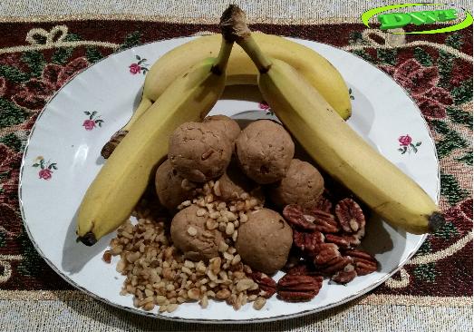 Banana nut crunch protein balls